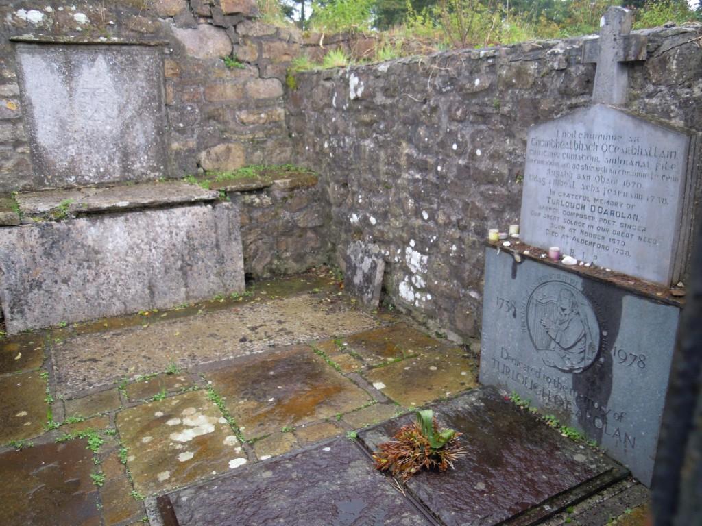 O Carolan's Grave, Kilronan