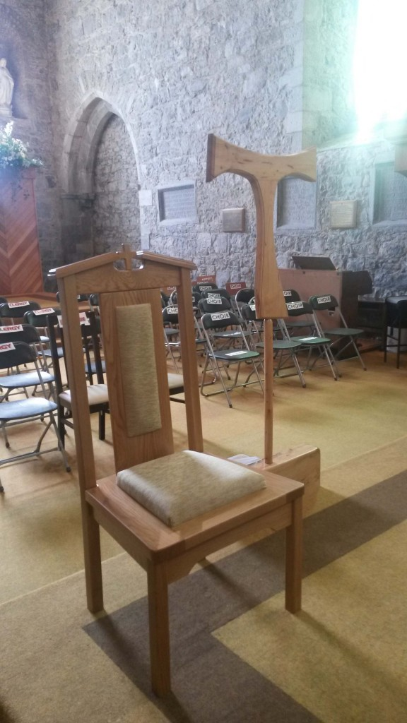 chairs and tau cross