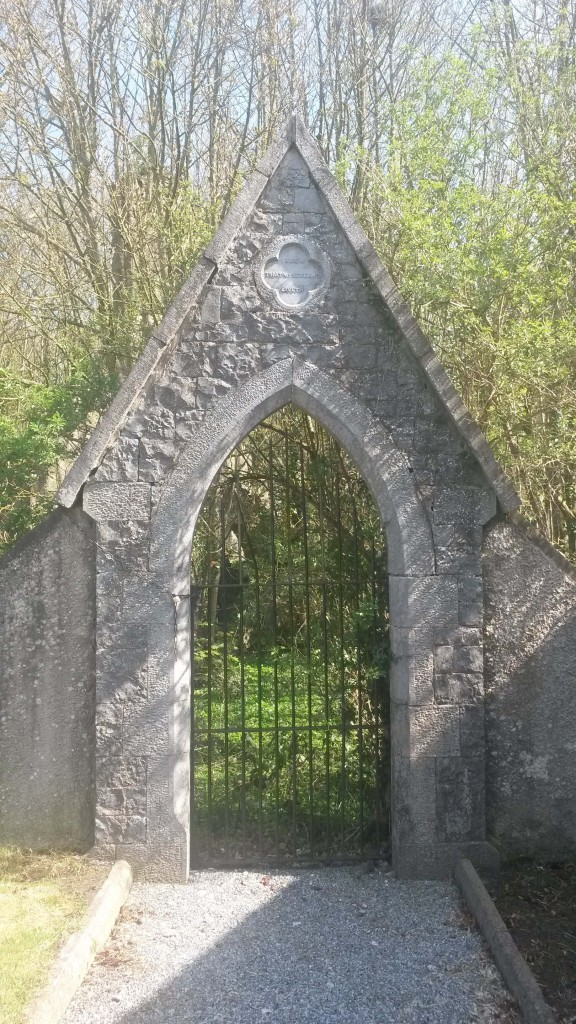 churchyard gate at Eyrecourt church