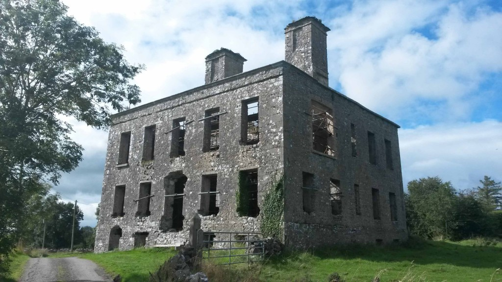 ruins of Kiltullagh House in 2015